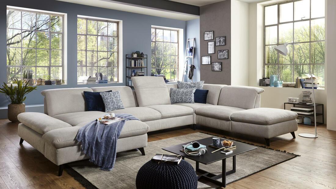 Das Sofa Mitten Im Raum Unbedingt Polstermobel Fischer
